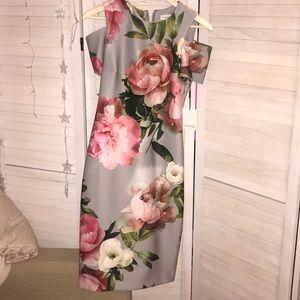 Calvin Klein Size 4 Flower Over the knee dress